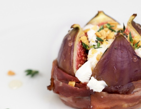 flower of figs with goat's cheese