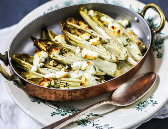 Grilled chicory with goat cheese from the oven
