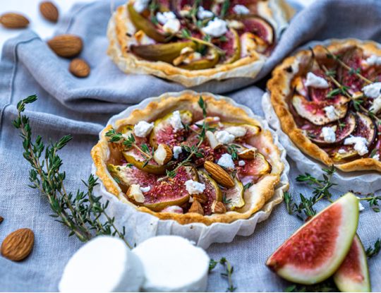 Fig tartlets with Bettine goat's cheese