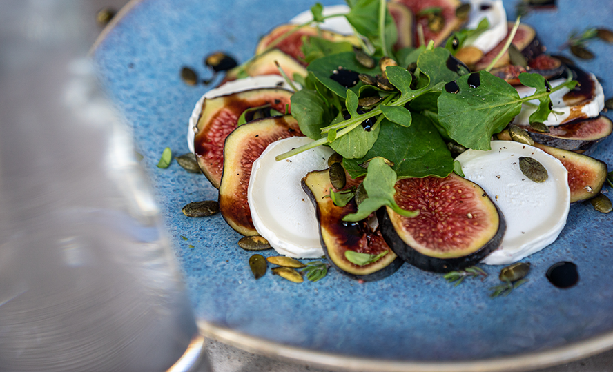 Figs carpaccio with Bettine goat's cheese